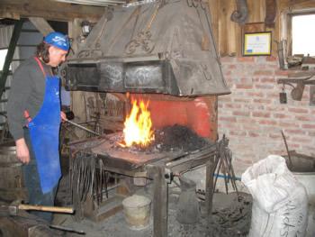 La vieille forge vieille forge animations de forge forgeron for Le fer forge dans la maison